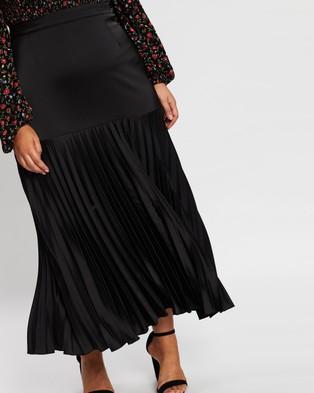 Atmos&Here Curvy Aurora Pleated Skirt - Pleated skirts (Black)