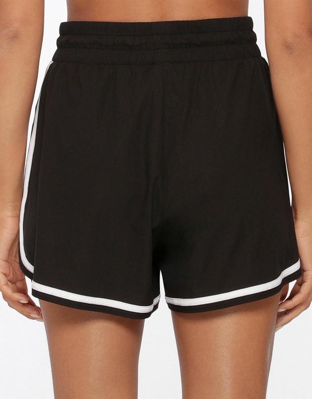 Women Challenger High Rise Run Shorts