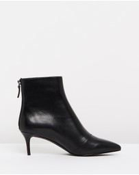Atmos&Here - ICONIC EXCLUSIVE - Vera Leather Ankle Boots