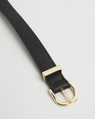 PETA AND JAIN Kendrick Buckle Belt - Belts (Black)