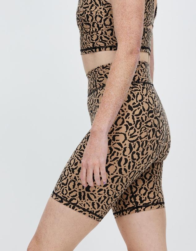 Women Leopard Spin Shorts