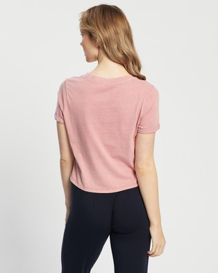 Cotton On Maternity - Maternity High Low Short Sleeve Top   The Iconic Exclusive - T-Shirts & Singlets (Washed Crimson Pink) Maternity High-Low Short Sleeve Top - The Iconic Exclusive