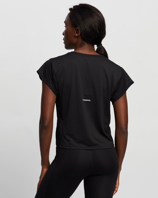 ASICS SMSB Run Short Sleeve Top - Tops (Performance Black & Graphite Grey)