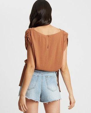 The Fated Soraya Blouse - Cropped tops (Tan)