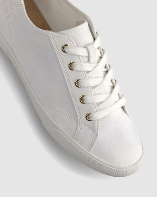 Betts Eden Lifestyle Sneakers - Low Top Sneakers (White Pebble)