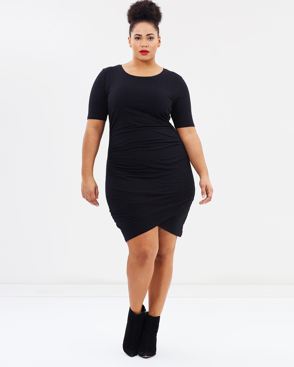 Atmos & Here Curvy ICONIC EXCLUSIVE Isla Gathered Jersey Dress Bodycon Dresses Black ICONIC EXCLUSIVE Isla Gathered Jersey Dress