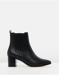 Atmos&Here - ICONIC EXCLUSIVE - Brandy Leather Ankle Boots