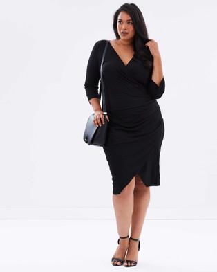 Atmos & Here Curvy – Reema Gathered Midi Dress – Dresses (Black)