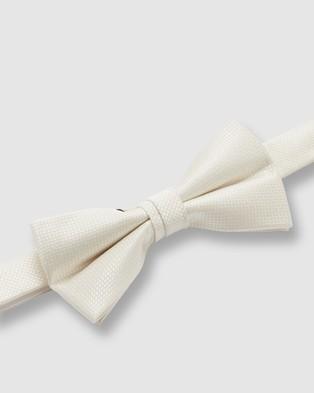 Buckle Wedding Bow Tie - Ties & Cufflinks (Ivory)