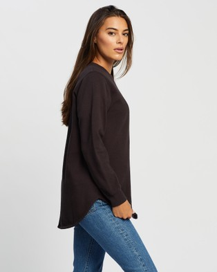 All About Eve Script Longline Crew - Sweats (WASHED BLACK)