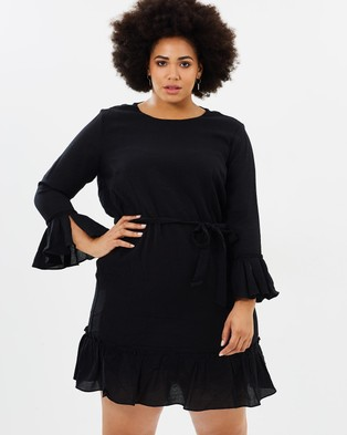 Atmos & Here Curvy – Leila Ruffle Shift Dress Black