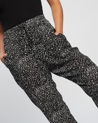 Atmos&Here Jessie Relaxed Pants - Pants (Black Animal)