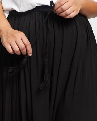 Atmos&Here Curvy Domanique Midi Skirt - Skirts (Black)