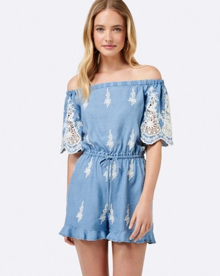 Forever New – Alena Broderie Playsuit Baby Blue Broderie