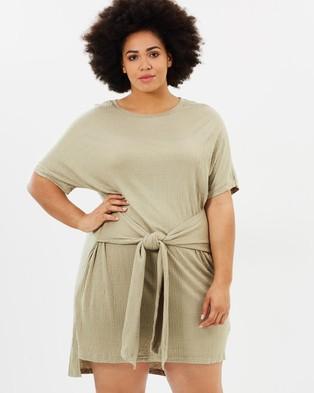 Atmos & Here Curvy – Regina Tie Up Jersey Dress