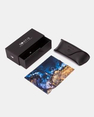 Otis Coastin REFLECT - Sunglasses (Matte Crystal Smoke)