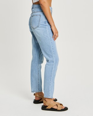 The Fated Radical Mum Jeans - High-Waisted (Light Wash)