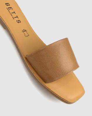Betts Vapour Leather Slides - Casual Shoes (Tan)