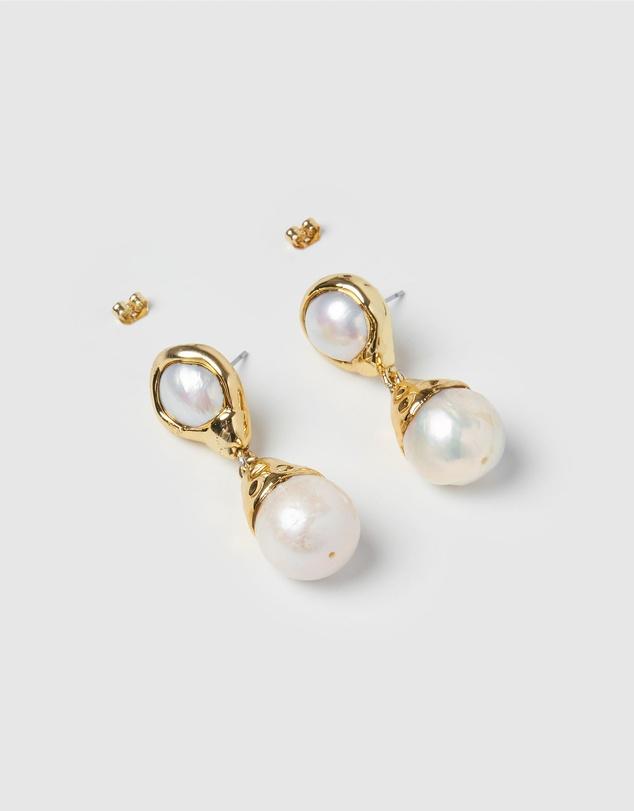 Women Twilight Pearl Earrings