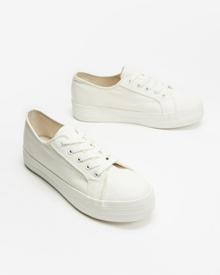 Dazie - Penny Sneakers (White Canvas)