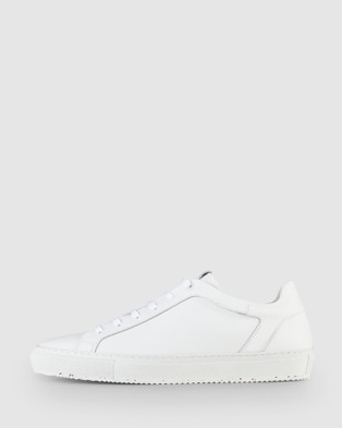 Aquila Tracer Sneakers - Low Top Sneakers (White)