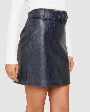 Forever New Hallie Embossed PU Mini Skirt - Leather skirts (Navy)