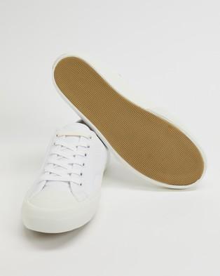 Lacoste - Topskill   Women's - Sneakers (White & Off-White) Topskill - Women's
