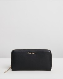 Calvin Klein - CK Must Large Zip-Around Wallet