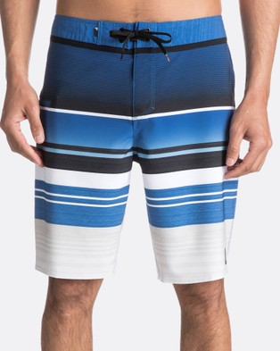 Quiksilver – Mens Everyday Stripe 20″ Boardshort – Swimwear (TURKISH SEA)