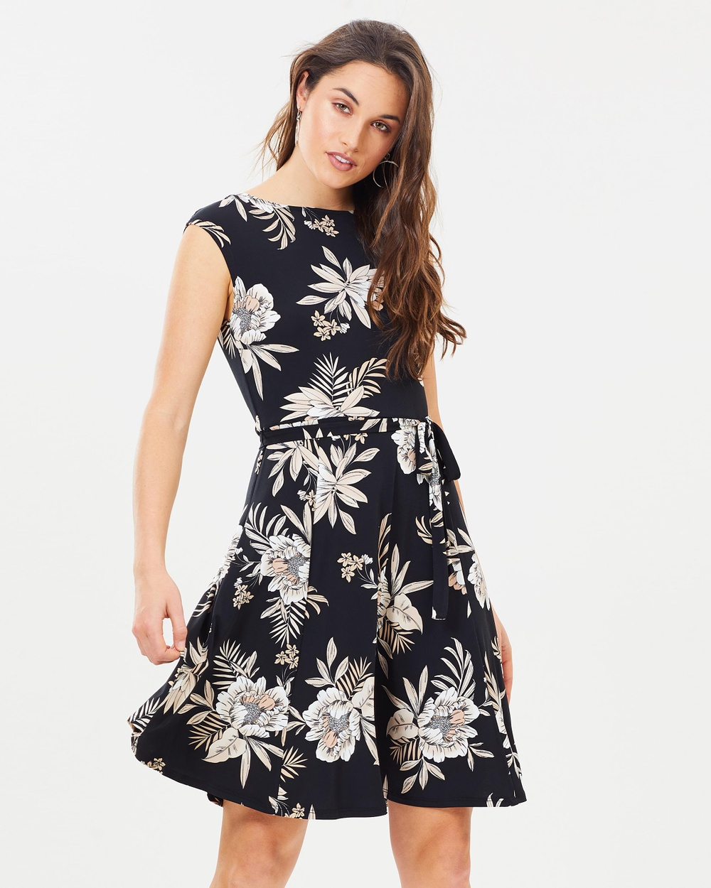 Wallis Palm Fit and Flare Dress Printed Dresses Black Palm Fit-and-Flare Dress