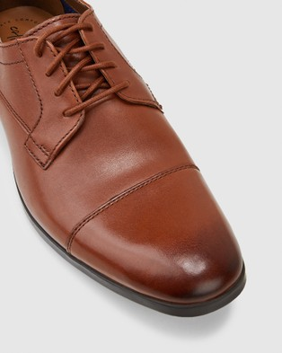 Clarks Conwell Cap - Dress Shoes (Tan Leather)