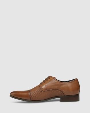 Tarocash Pepe Textured Dress Shoe - Dress Shoes (TAN)