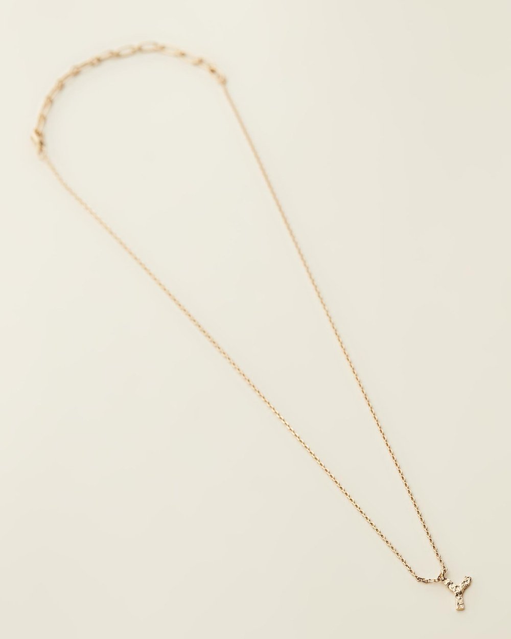 Amber Sceats Jadé Tunchy x Petite Letter Necklace Y Jewellery Gold