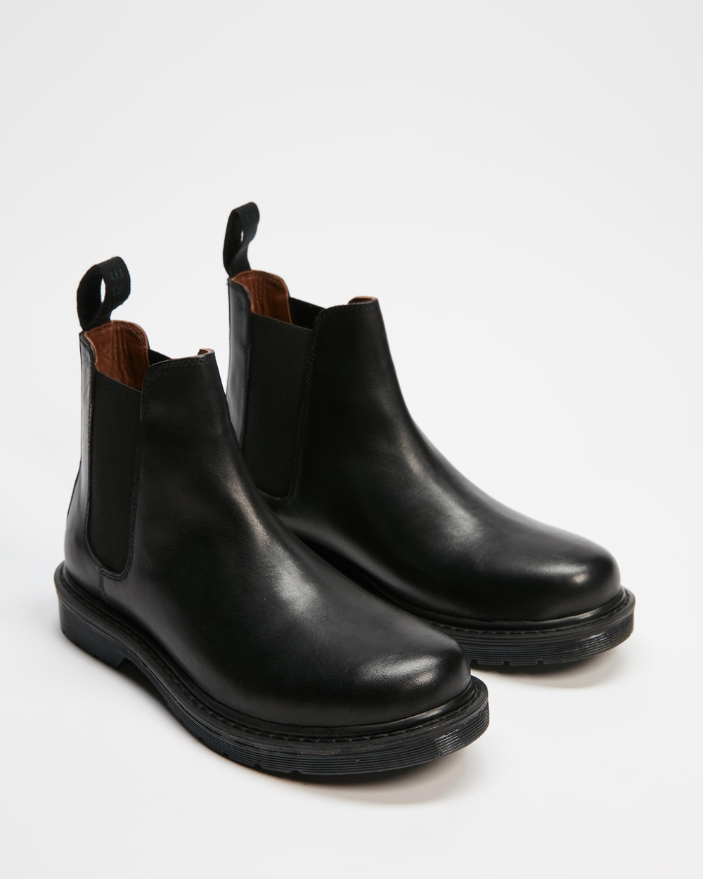 AERE Smooth Leather Chelsea Boots Black