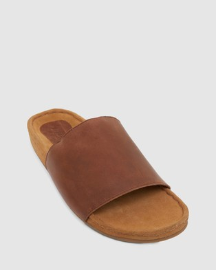 Urge Finn - Casual Shoes (Brown)