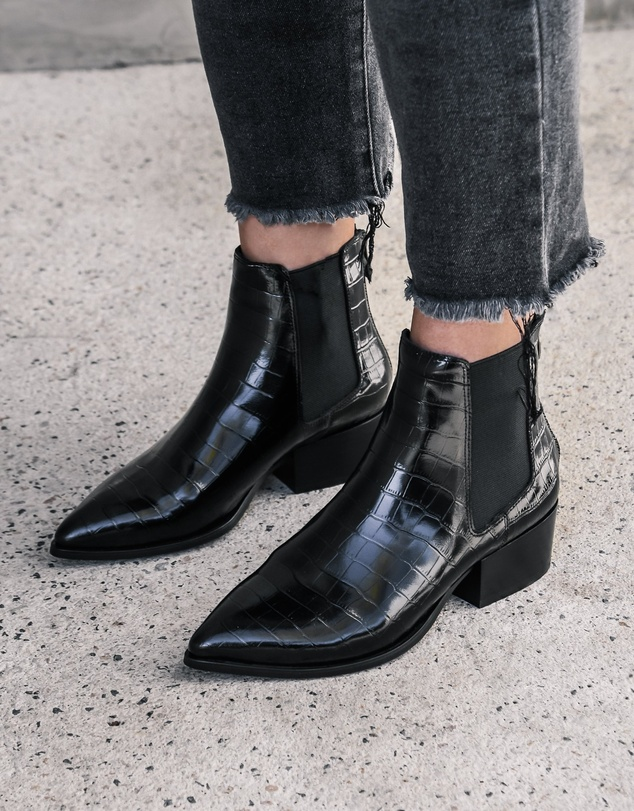 Women Rumi Flat Ankle Boots