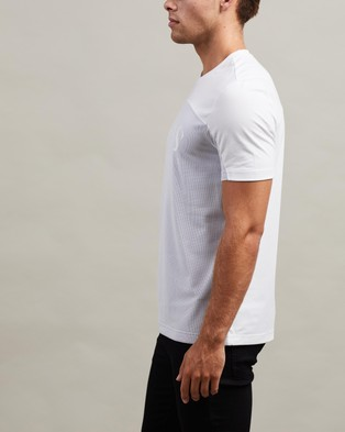 BOSS Curved Logo Tee - T-Shirts & Singlets (White)