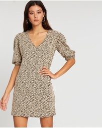 Boohoo - Leopard Jacquard Puff Sleeve Shift Dress