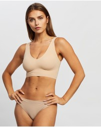 Calvin Klein - Invisibles Lightly Lined V-Neck Bralette