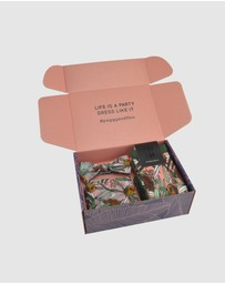 Peggy and Finn - Banksia Bow Tie Gift Box