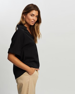Atmos&Here Aria Short Sleeve Shirt - Tops (Black)