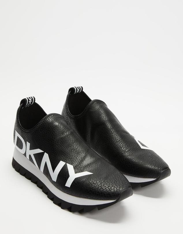 Women Azer Slip-On Sneakers
