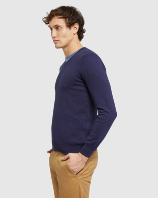 Oxford Cotton Cashmere V neck Pullover - Jumpers & Cardigans (Blue)