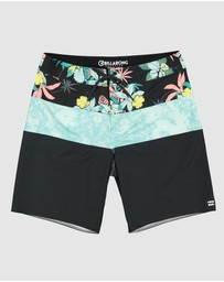 Billabong - Tribong Pro Boardshorts - Kids