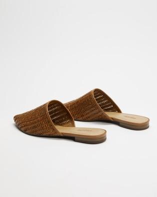 Anacapri Tresse Mules - Flats (Brown)