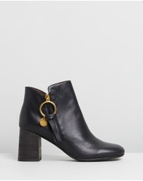 See By Chloé - Ring Zip Pull Leather Boots