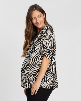 Angel Maternity - Relax Fit Short Sleeve Top Tops (Animal Print)