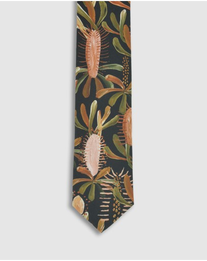 Peggy and Finn - Grass Tree Tie