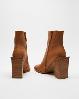 Alias Mae - Sylvie Boots (Tan Burnished)