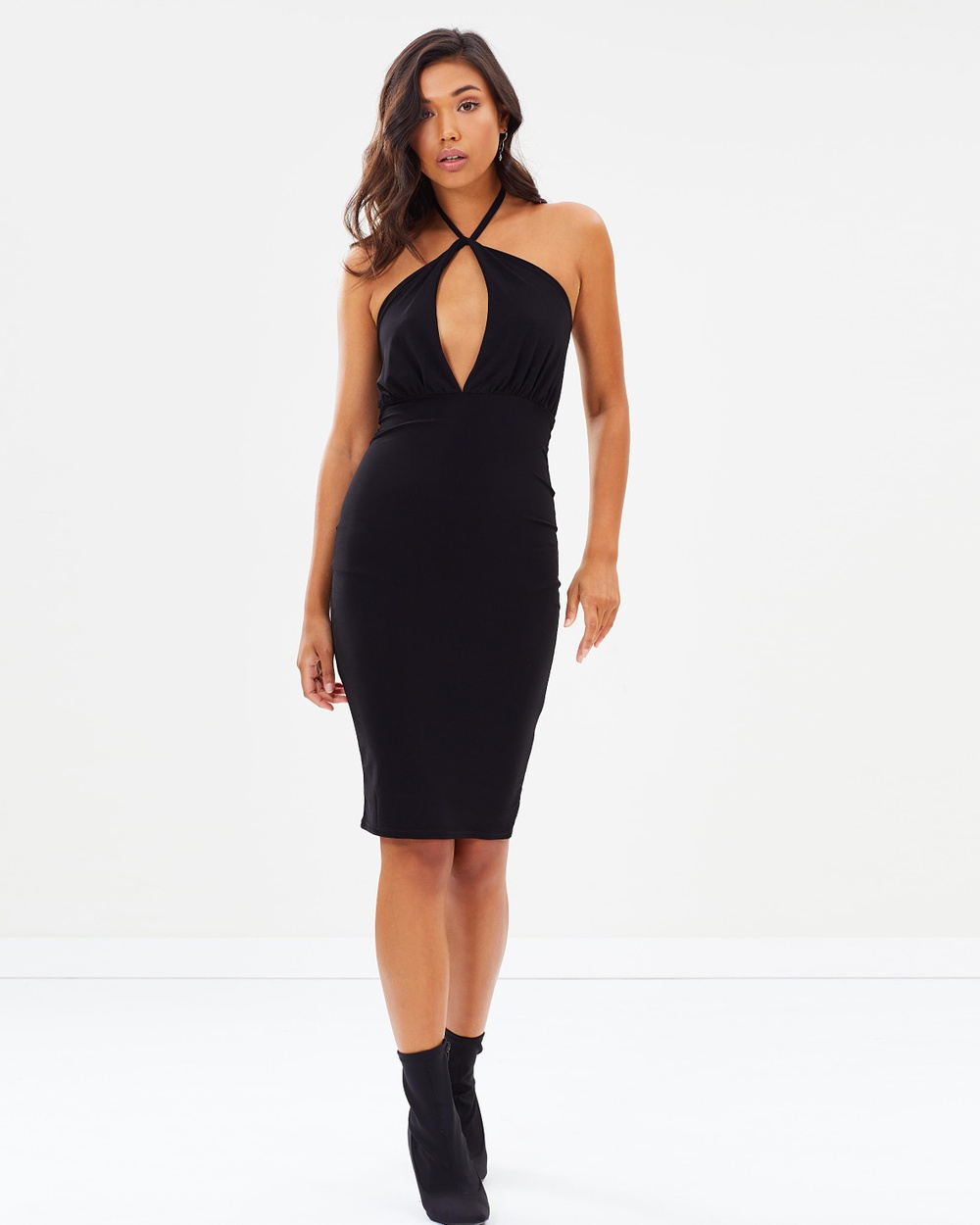 Photo of Missguided Missguided Slinky Tie Neck Twist Keyhole Midi Dress Bodycon Dresses Black Slinky Tie-Neck Twist Keyhole Midi Dress - Bold and straight-talking, UK fashion brand Missguided takes on global influences of street style and popular culture to deliver a confident collection of figure-hugging bodycon dresses, streetwear-inspired tracksuits and tongue-in-cheek slogan tees to equip millennial women with the power of fashion. Offering the latest catwalk trends at prices you can